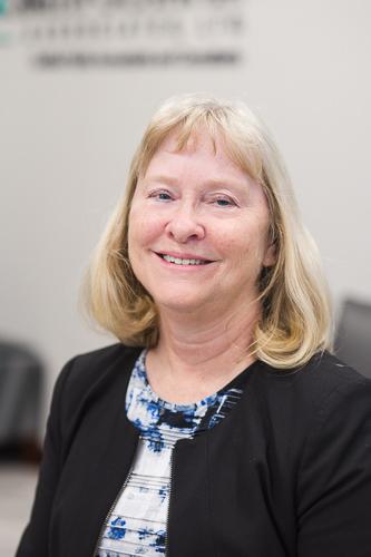 Nancy Waldack headshot